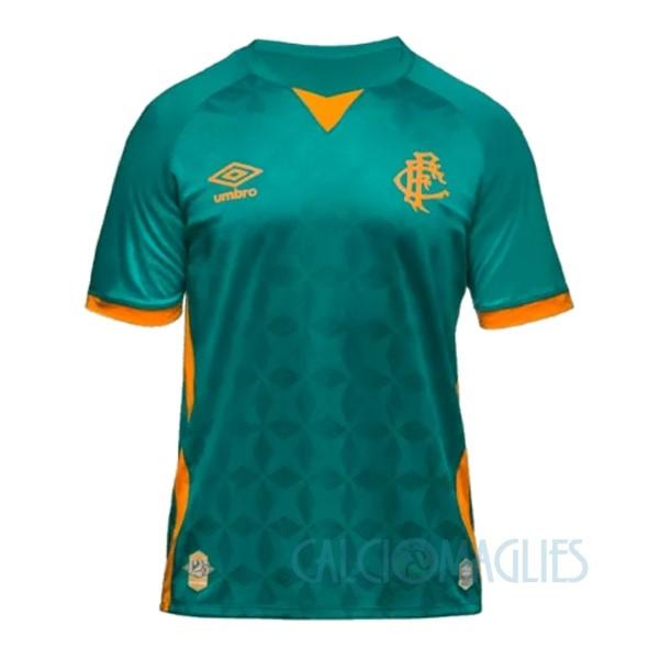 Fornire vari indumenti Fluminense e accessori per il calcio