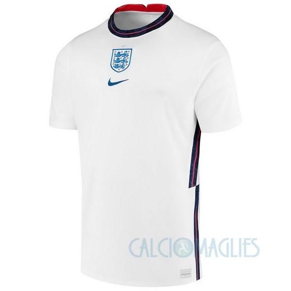 Fornire vari indumenti Inghilterra e accessori per il calcio