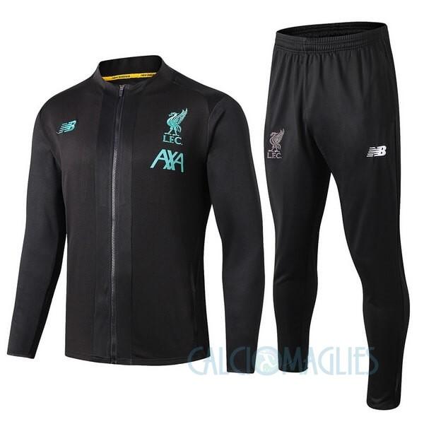 Fornire vari indumenti Liverpool Bambino e accessori per il calcio